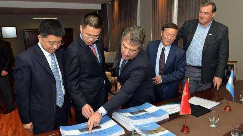 Urribarri busca garant�as para los inversores chinos