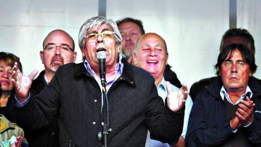 Moyano, Barrionuevo y Micheli se mostraron juntos en una protesta
