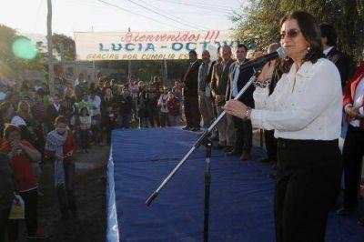 Lucía entregó otras 12 viviendas y 30 soluciones habitacionales