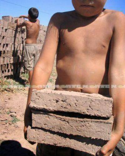 El trabajo infantil aún afecta a casi el 15 % de niños y adolescentes de zonas urbanas