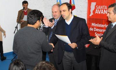 Más emprendedores locales recibieron sus créditos del Banco Solidario