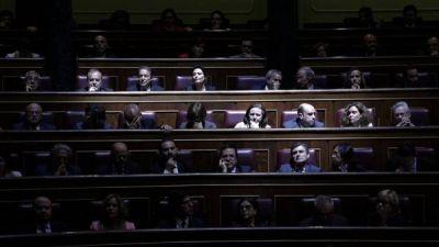 Ratifican la abdicación de Juan Carlos y Felipe VI asumirá el 18 de junio