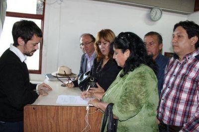 Concejales de la Unión por Chaco requirieron a la FIA que se investigue a Gustavo Martínez por las denuncias del Gobernador