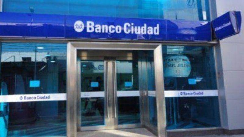 Los bancarios vuelven a parar en la última hora de atención al público