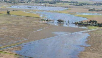 Un pueblo lleva dos meses sitiado por el agua