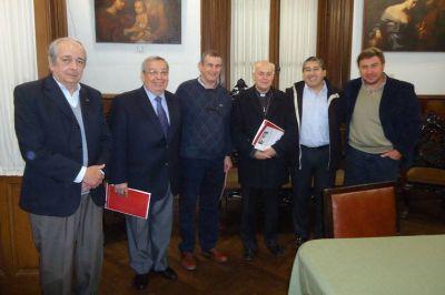 Puiggari respaldó pedido por el descanso dominical