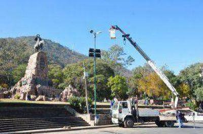 El martes estará lista la nueva iluminación del monumento a Güemes