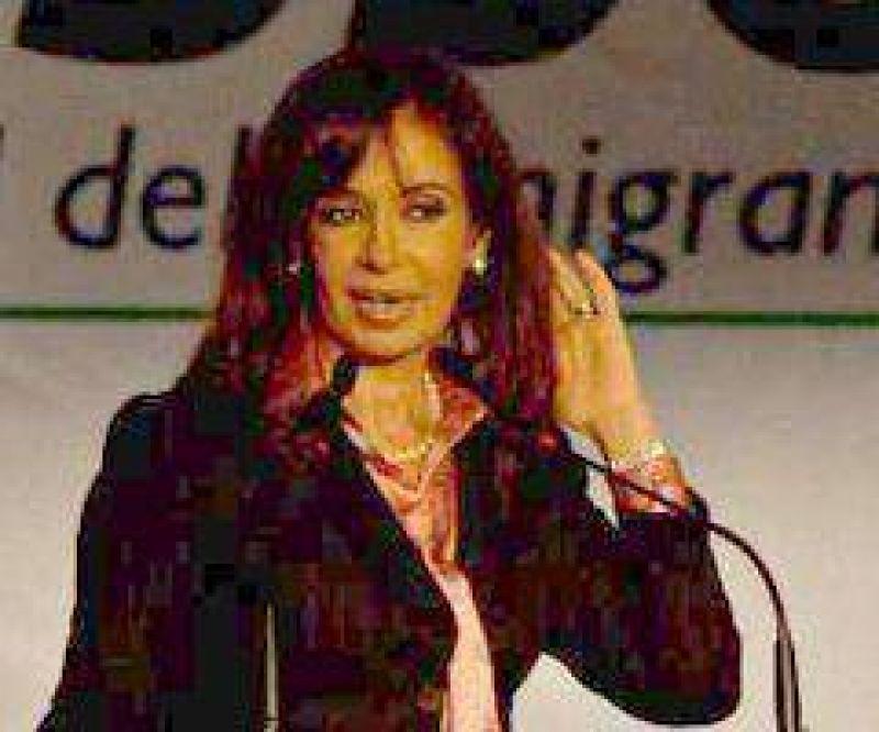 """Cristina Fern�ndez """"En pocos lugares como en Berisso las palabras trabajo y producci�n tienen sentido"""""""