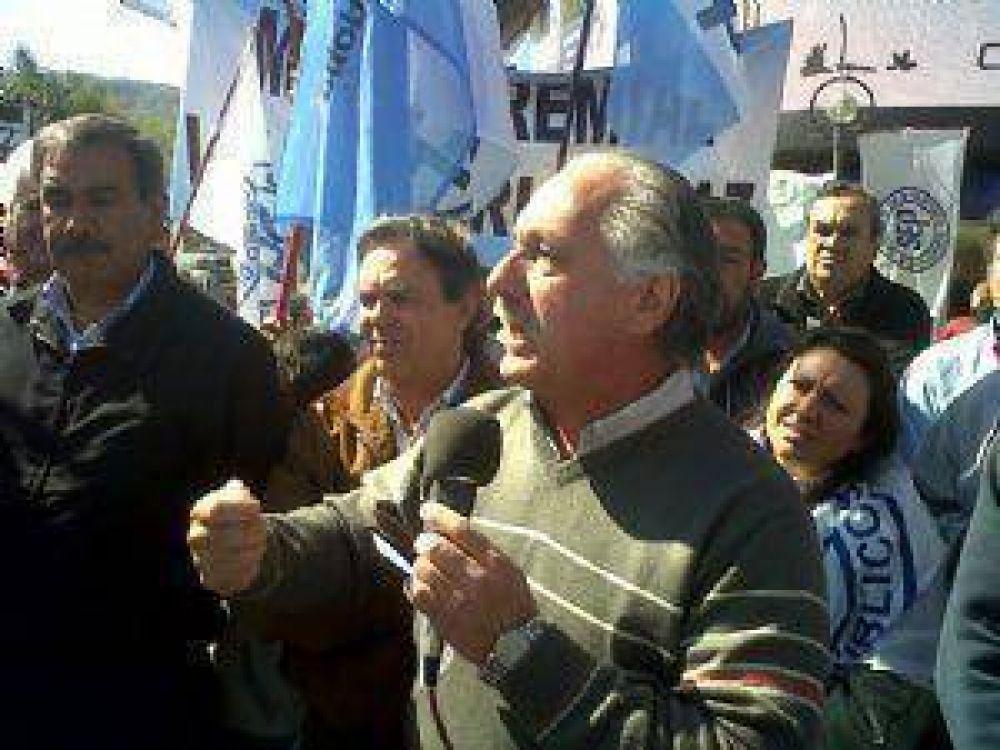 Gremio docente critica a De la Sota por el ajuste a jubilados