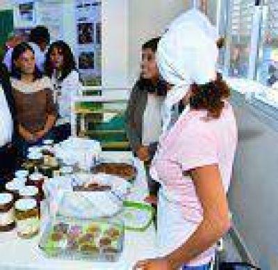 Innovadores procesos productivos se ven en comunidades del Oeste provincial
