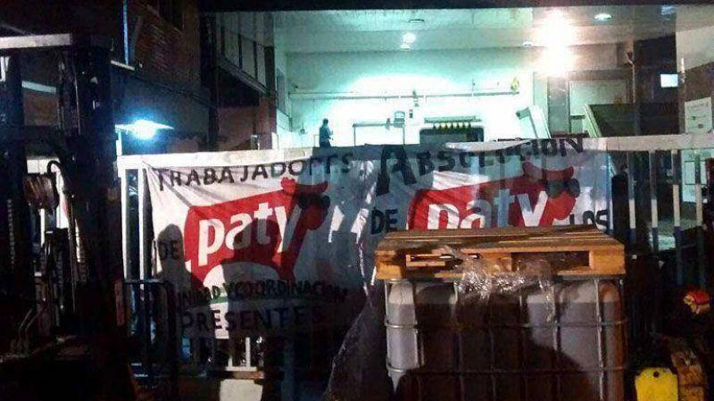 Empleados de la hamburguesería Paty ocupan la fábrica de Martínez ante posibles despidos