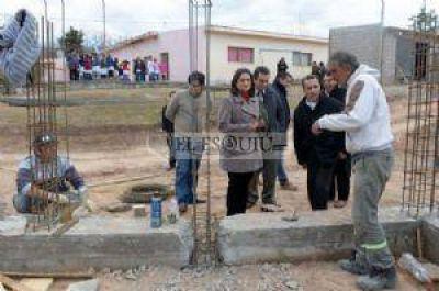 Corpacci anunció el gas natural para escuelas rurales del interior