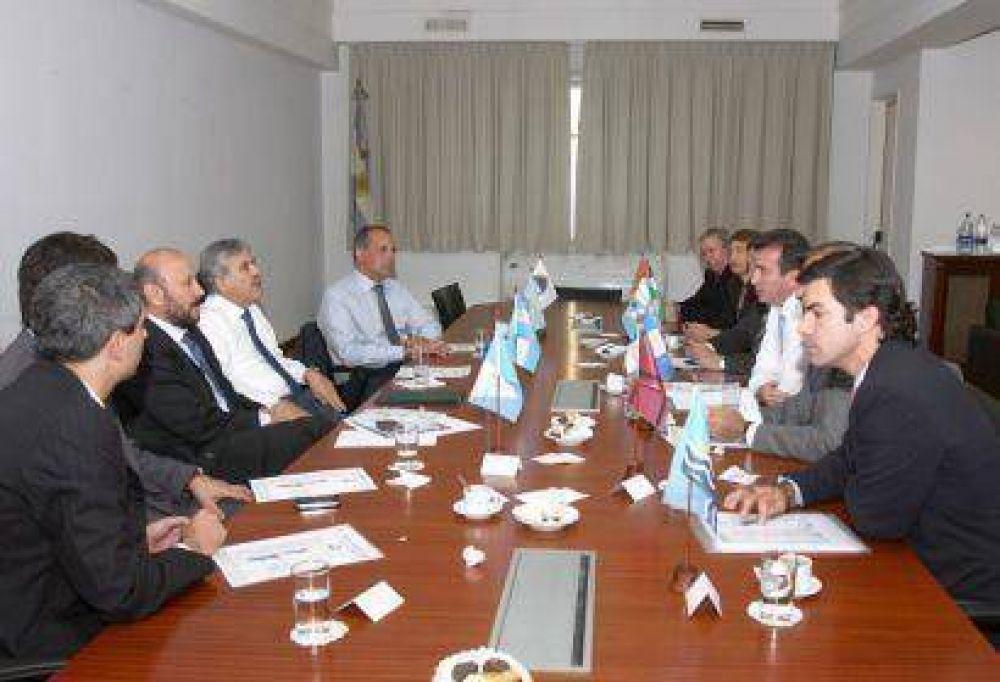 El gobernador Insfrán y sus pares de la OFEPHI se reunieron con el ministro De Vido