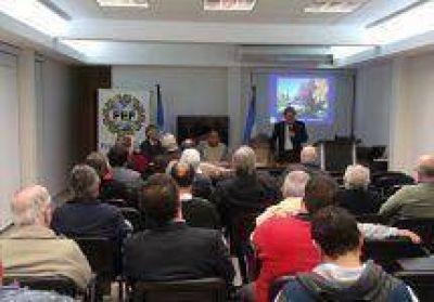Granada disertó en la Federación Económica de Formosa sobre usos pacíficos de la energía nuclear