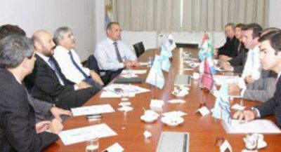 OFEPHI: El Gobernador Insfr�n y sus pares se reunieron con De Vido