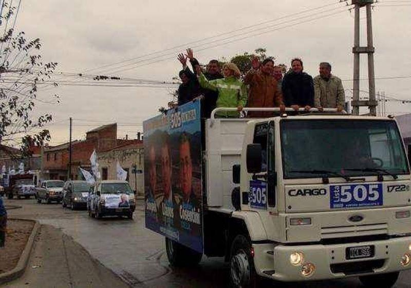 Multitudinaria caravana del FPV: El peronismo espera confiado su victoria