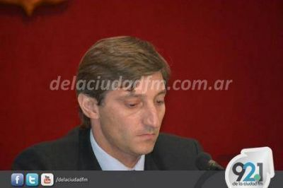 El Presidente del Concejo pidió solucionar 'el asistencialismo'