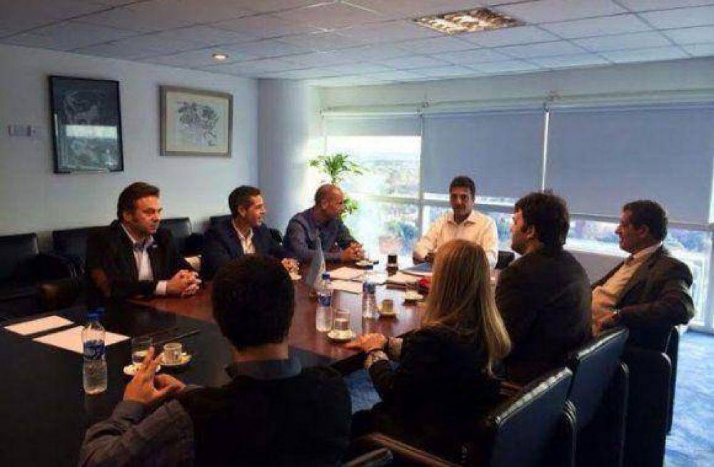 Los principales referentes del Movimiento Popular Fueguino se reunieron con el líder del Frente Renovador