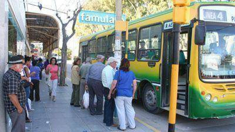 Miles de madrynenses afectador por el paro del transporte urbano