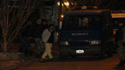 Encuentran un diente en el lugar del cu�druple crimen de La Plata