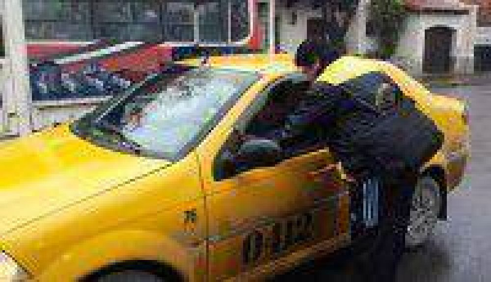 Taxistas piden la renuncia del Director de Tránsito de la Municipalidad