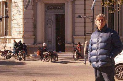El concejal Lucas Burgos volvi� a insistir con el estacionamiento para motos en zona c�ntrica