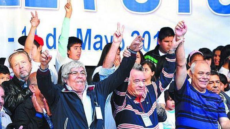 Moyano y Barrionuevo piensan en un paro después del Mundial