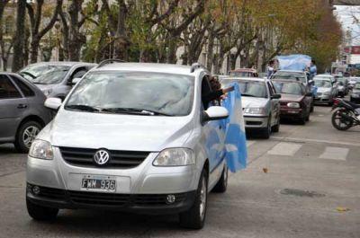 Los olavarrienses festejaron el triunfo argentino ante Irán