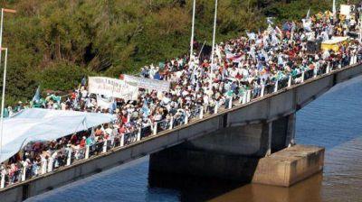 Nueva protesta de los asambleístas de Gualeguaychú contra la ex Botnia