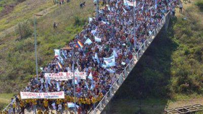 Marcha el pueblo de Gualeguaychú por el desmantelamiento de UPM