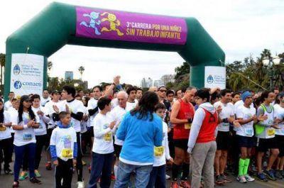 Unas 1.500 personas corrieron por una ni�ez sin trabajo infantil