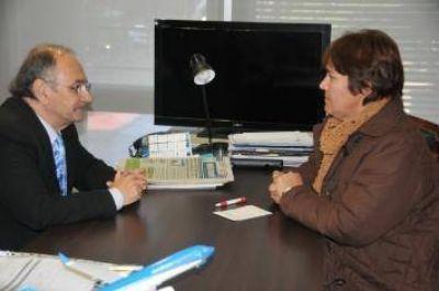 El gobernador Bacileff Ivanoff recibió a la intendenta de Samuhú para analizar la ejecución de obras