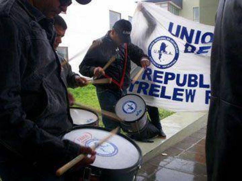 UPSRA: Ratific� a su secretario general y anunci� aumento