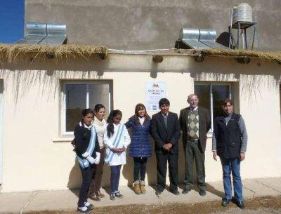 Instalan baños solares en La Puna Jujeña para preservar recursos naturales y mejorar la calidad de vida