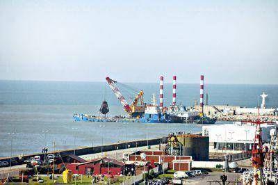 A buen ritmo continúan los trabajos de dragado en el acceso al puerto