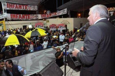"""""""Queremos que los jóvenes no busquen trabajo en otras provincias, porque el futuro está en Santiago"""""""