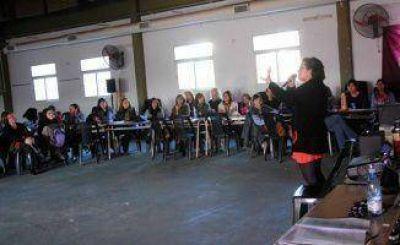 Capacitan a docentes en Educación Sexual