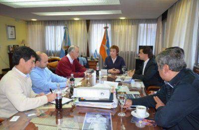 Ríos se reunió con directivos de YPF – YSUR