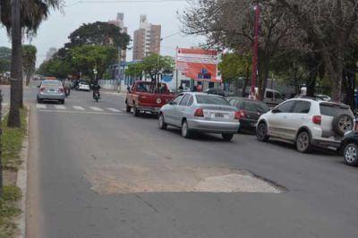 Multaron a Sameep por destruir y no reparar pavimento nuevo en av. 9 de Julio