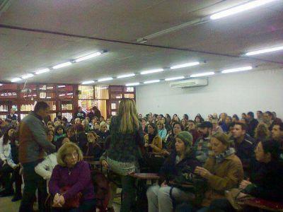 Los docentes de la UNCuyo rechazaron la oferta y los alumnos ya llevan 20 días sin clases