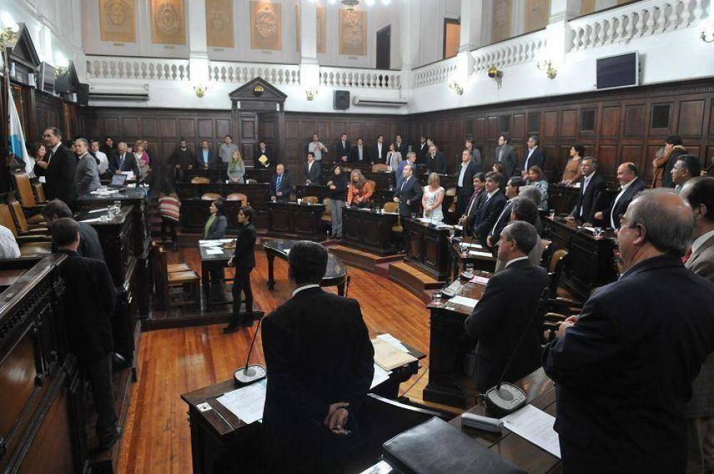 Diputados aprobó el tope salarial para estatales provinciales
