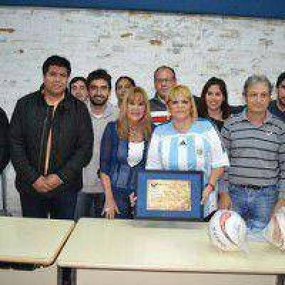 A�da fue nombrada socia honoraria del Club Atl�tico V�lez Sarsfield Libertad
