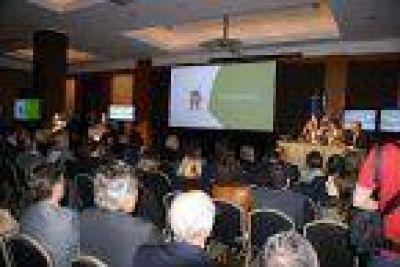 Gobernadores e intendentes en la muestra INTA Expone en el NEA