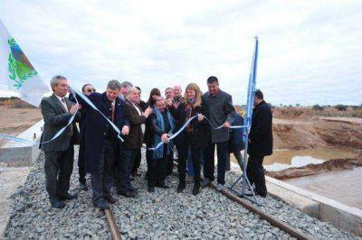 El nuevo puente restituyó la actividad ferroviaria