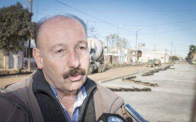 En recorrida por obras de asfalto Inza llam� a dejar las diferencias de lado en beneficio de todos