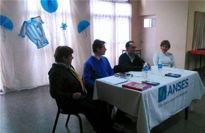 Jubilados y pensionados recibieron información de su interés sobre Argenta y TDA