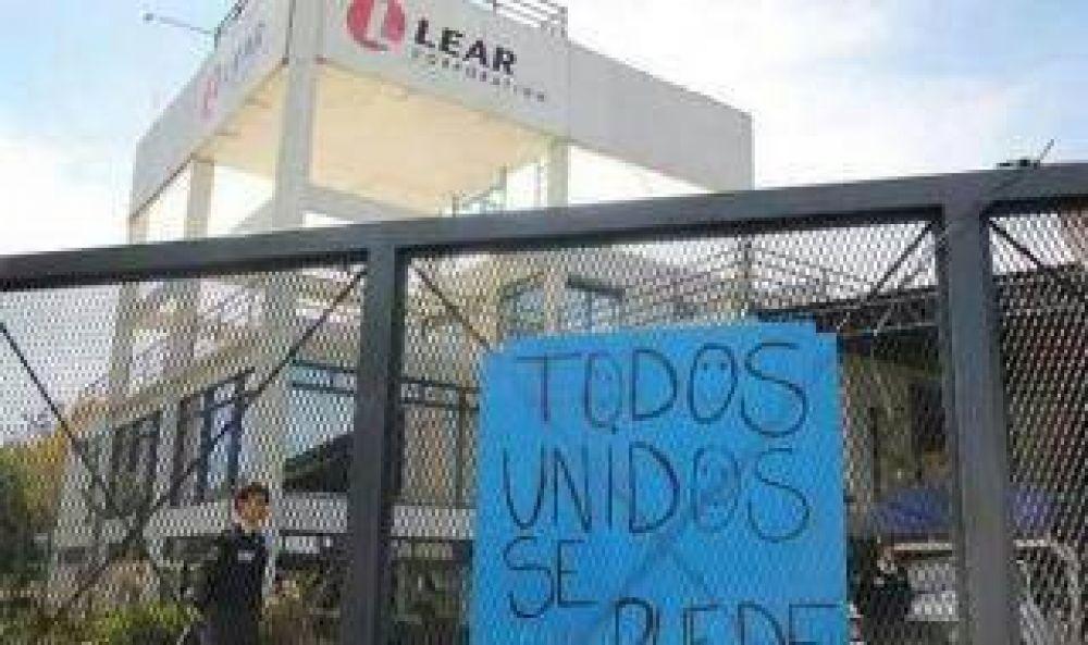Tigre: Denuncian suspensión y despidos a cientos de trabajadores en la autopartista LEAR
