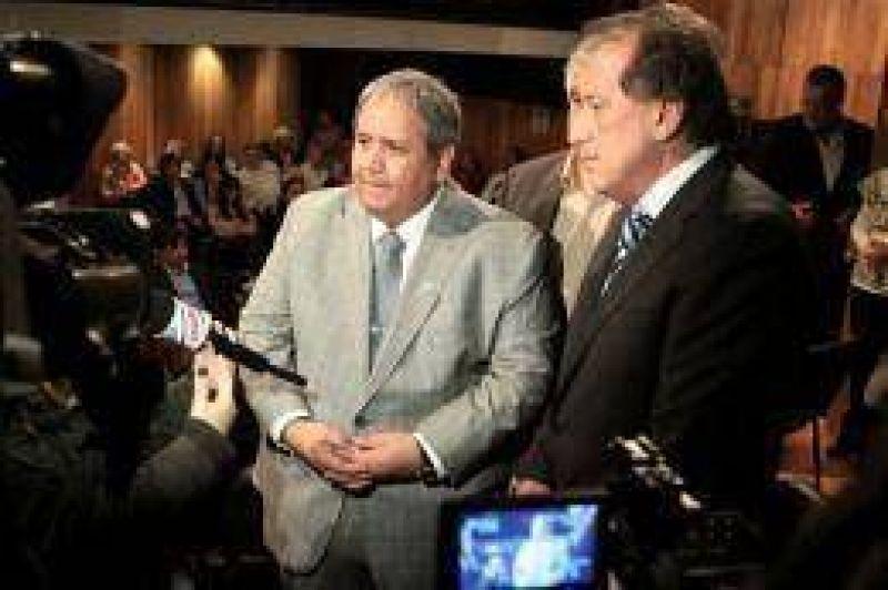 """Bancos: Palazzo y Brito firmaron un """"inédito"""" acuerdo-marco laboral mundial"""