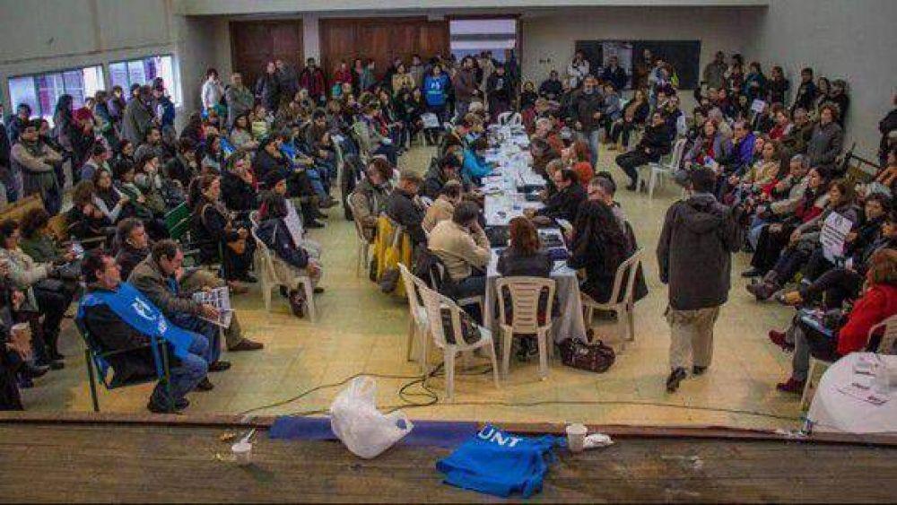 Conadu Histórica sesionó en Tucumán y ratificó la continuidad del paro