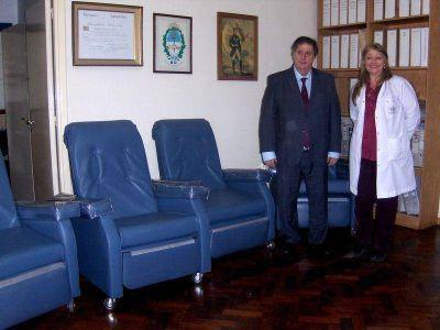 Entregan mobiliario para la Unidad de Diálisis del hospital Interzonal